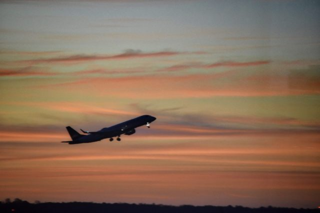 plane-taking-off-from-boston-logan-airport-right-b-GH6DGMW